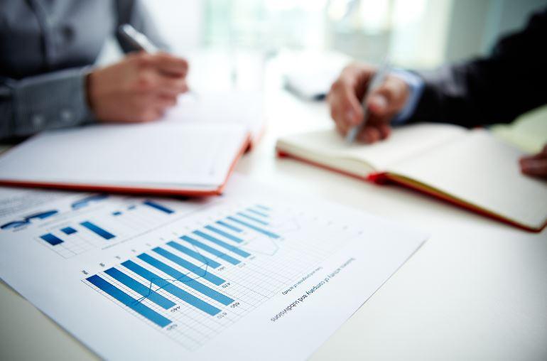 Men conducing market research